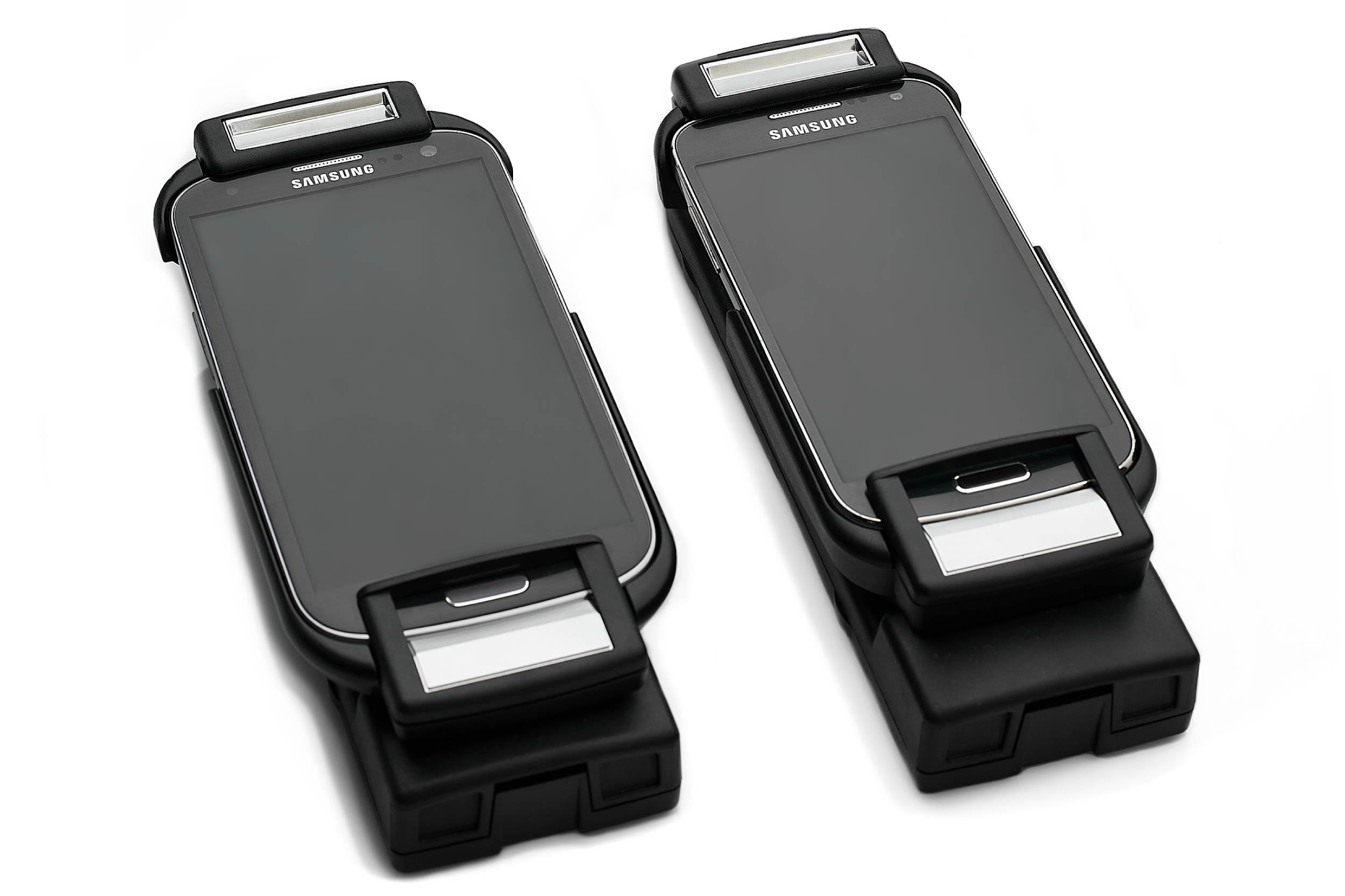 BMW-SMARTPHONE-CRADLE-SNAP-IN-2